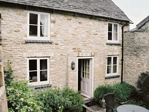 Self catering breaks at Haywards Cottage in Stow-on-the-Wold, Gloucestershire