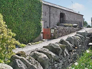 Self catering breaks at Sycamore House Barn in Askham, Cumbria