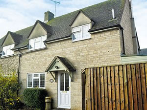 Self catering breaks at Amber Cottage in Stow-on-the-Wold, Gloucestershire