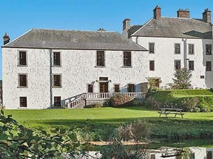 Self catering breaks at The Garden Apartment in Auchtermuchty, Fife