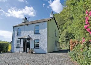 Self catering breaks at Woodside House in Ings, Cumbria