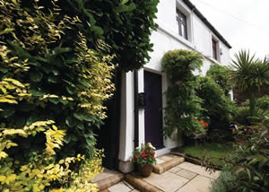 Self catering breaks at Sophies Retreat in Oxton Wirral, Cheshire